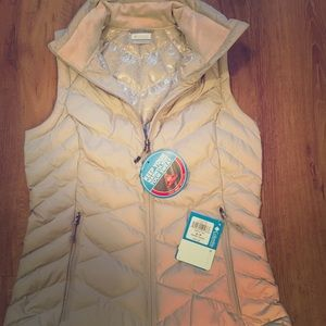 COLUMBIA Heavenly Cream Vest Size Small NWT